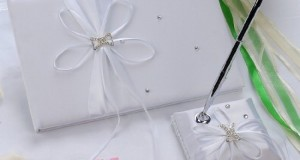 Remedios Boutique 2-Piece Bridal Accessory Set of White Ribbon and Rhienstone Satin Guest Book and Pen with Pen Holder