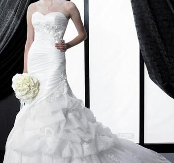 white corset wedding dressthebridalblog wedding tips